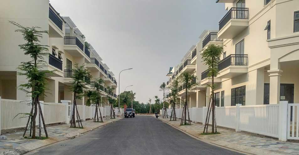 Dãy nhà phố liên kế tại dự án Senturia Vườn Lài