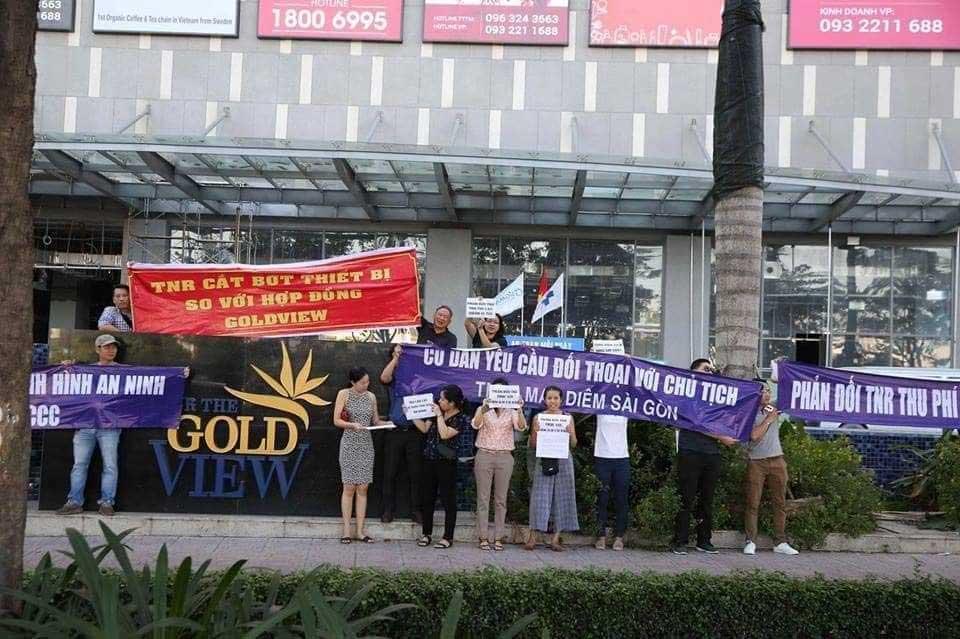 bieu tinh chung cu the goldview