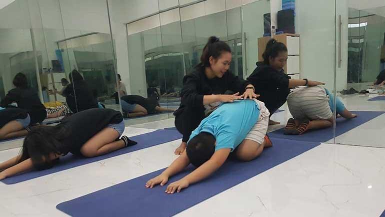 Lớp học Zumba Yoga tại Viva Riverside