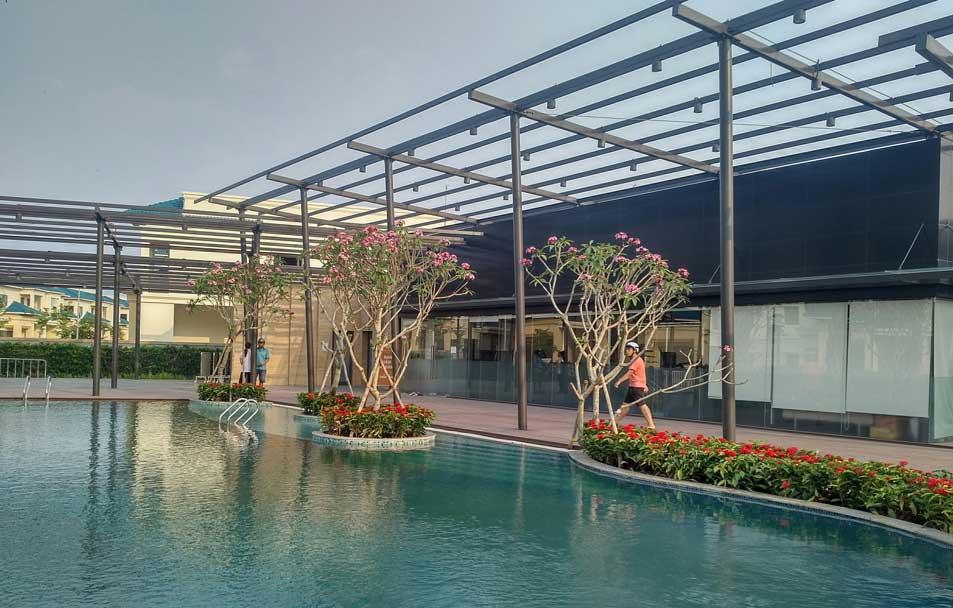 Cảnh hồ bơi tại dự án Senturia Vườn Lài quận 12