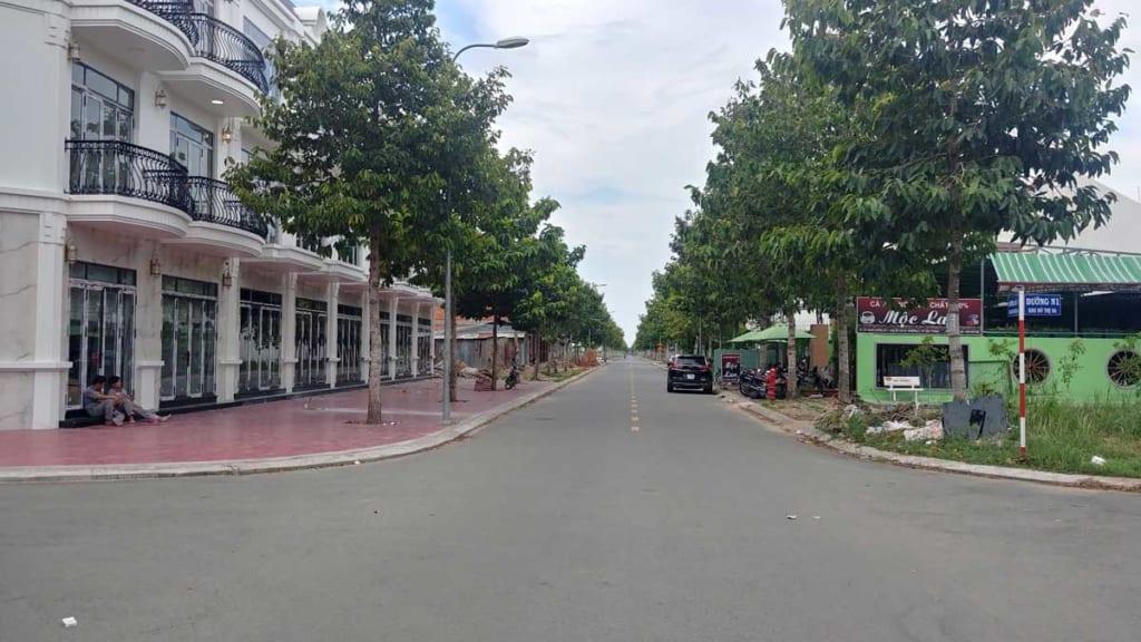 Dãy nhà phố thương mại khu dân cư 5A