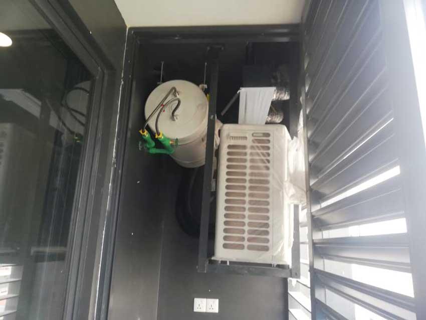 Logia để cục nóng lạnh và máy nước nóng