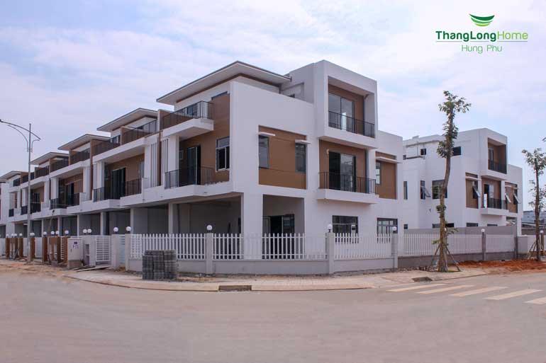 Dãy nhà phố tại dự án Thăng Long Home Hưng Phú