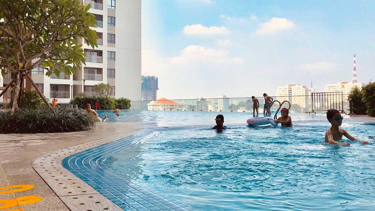 Hồ bơi Saigon Royal